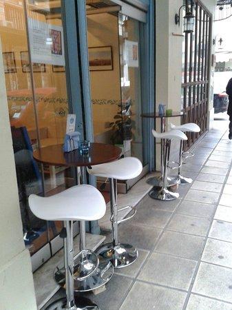 Mikron Coffee Corner: Exterior!