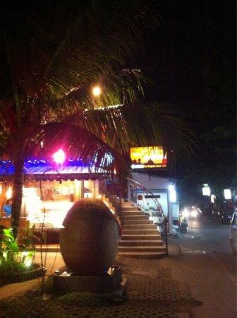 Warung Asia Thai Food: The entrance