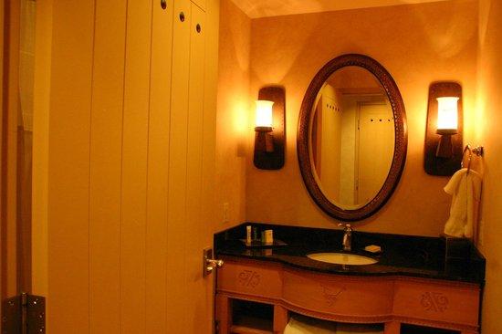 Hilton Santa Fe Buffalo Thunder : Bathroom
