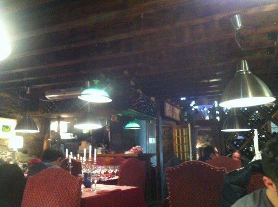 Les chandelles: Salle restaurant