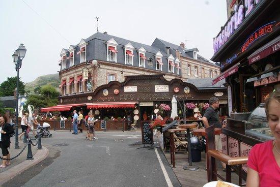 Centre ville picture of etretat seine maritime - Hotel etretat piscine interieure ...