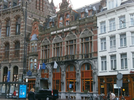 Die Port van Cleve : Hotel looks gorgeous from the outside. Its a shame about the inside