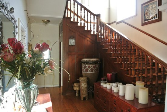 Rhonda's Manor Guest House: BEAUTIFUL INTERIORS
