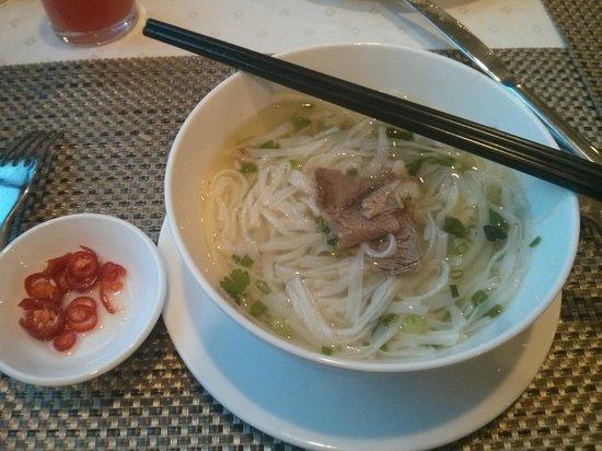 "Hanoi Larosa Hotel : Authentic Vietnam food ""pho thit bo"""