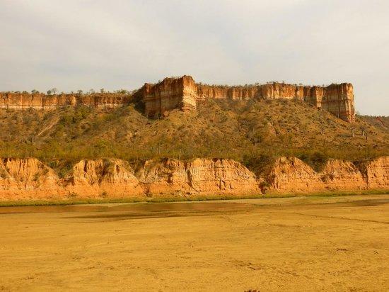 Gonarezhou National Park: The Chilojo Cliffs