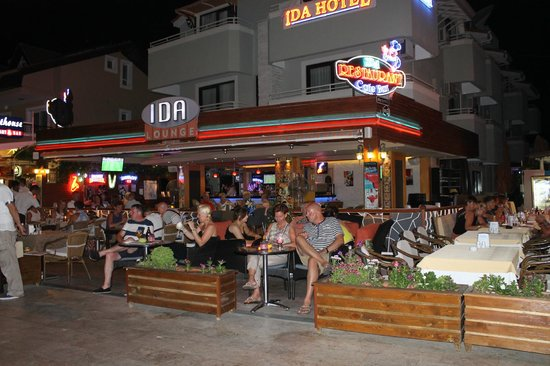 Ida Hotel: Restaurant area