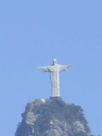 Flamengo district: O Cristo parecia estar tão próximo de nós.