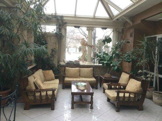 Nena Hotel: sitting area