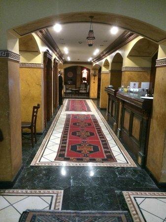 Nena Hotel: pathway