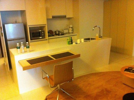 PARKROYAL Serviced Suites Kuala Lumpur: Kitchenette