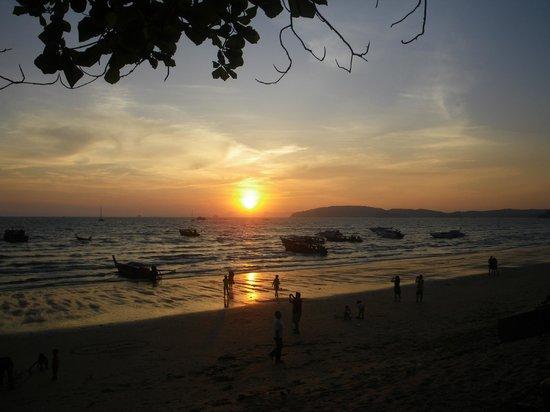 Krabi Resort : лодки на закате