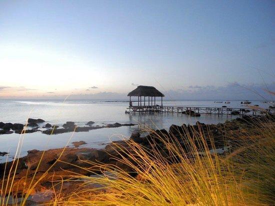 The Oberoi, Mauritius : Sonnenuntergang im Strandlokal