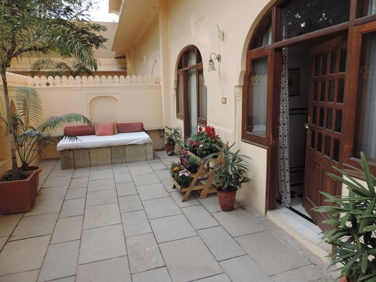 Samode Haveli : private courtyard for roo 118