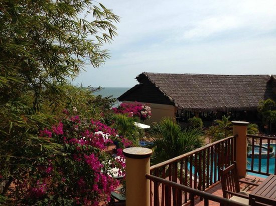 White Sands Resort: プールビュー・オーシャンビューの部屋