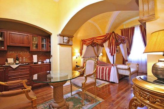 Alchymist Nosticova Palace: Junior Suite Arcimboldo