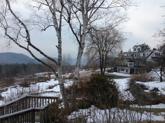 Windham Hill Inn : From the main Inn with the White Barn guest area to the right.