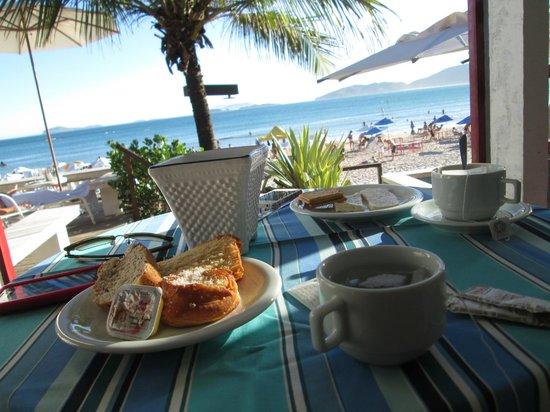Chez Pitu Praia Hotel: Vista desde el desayunador