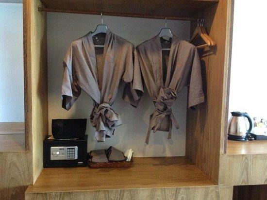 Tanote Villa Hill : Peignoirs, chaussons, sèche-cheveux...