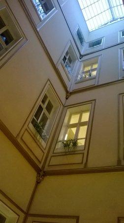 Hotel Wandl: inside the hotel - corridor area