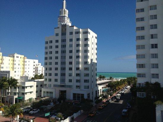 Gale South Beach: Vue de la piscine sur le toit