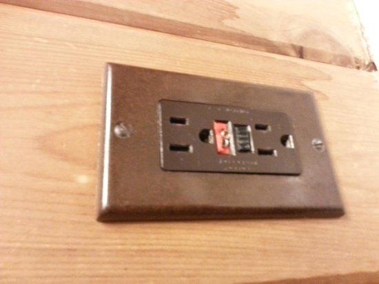 Lutsen Resort on Lake Superior : Broken electrical, very safe.