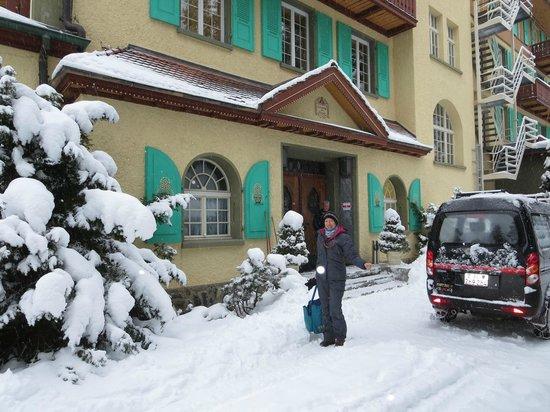 Hotel Belvedere: front door