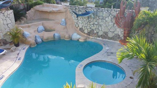Akuarius Hotel, Bar & Restaurant: Nice pool