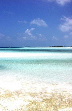Fun Island Resort: Spiaggia (mattina)