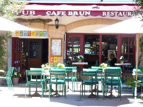 Cafe Brun: terrasse ensoleiller