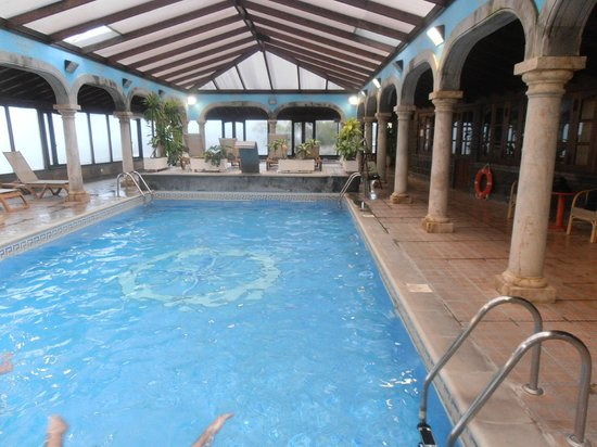 Hotel El Nogal: Indoor pool and spa