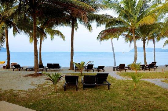 Sunset Beach Resort : Plage de l'hôtel vue du restaurant du petit déjeuner