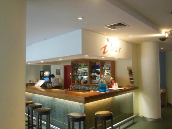 Ibis Sydney Darling Harbour : Hotel bar