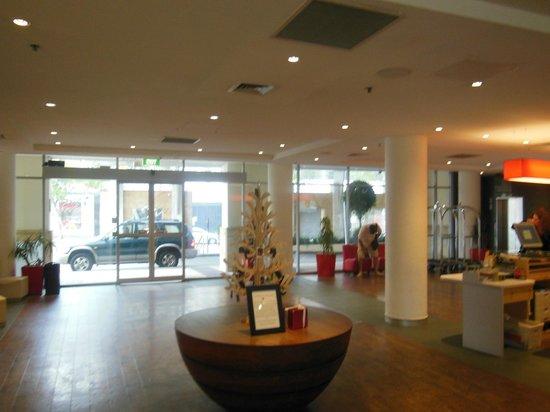Ibis Sydney Darling Harbour : Hotel foyer
