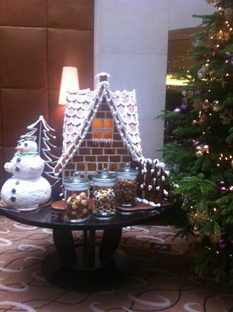 Regent Warsaw Hotel: Xmas Decorations in the Lobby