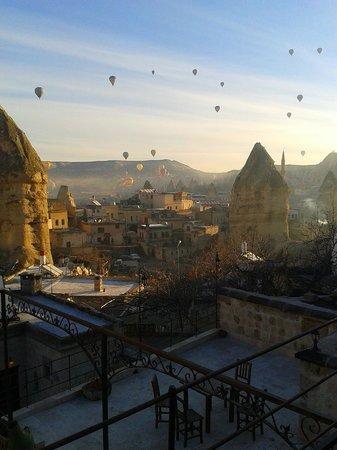 Travellers' Cave Pension : Aussicht von der Terrasse morgens