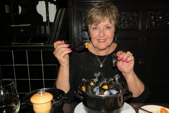 Cafedraal: I loved my pot of mussels!