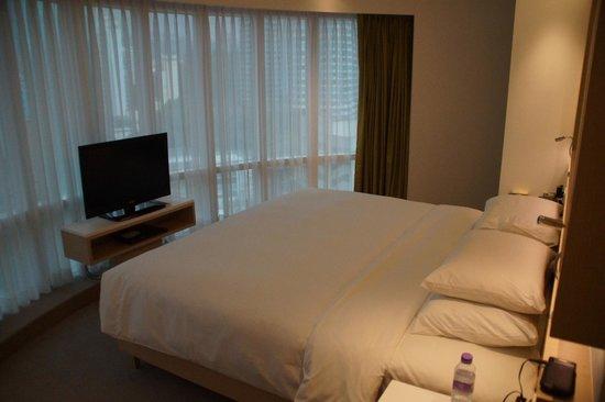 Eaton, Hong Kong: Club Room 1710