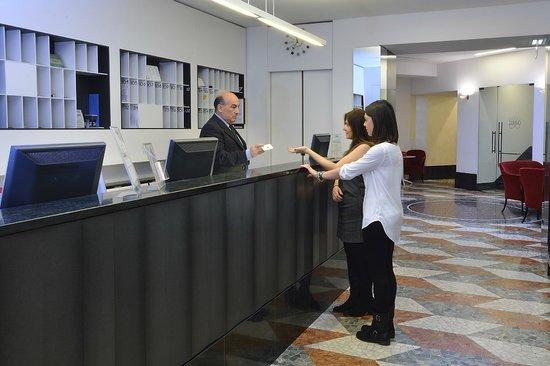 Zurigo Hotel: Reception