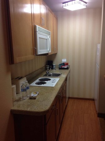 Homewood Suites by Hilton San Francisco Airport-North: Kitchen in room 244