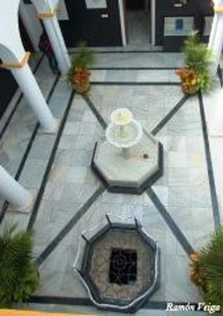 Museo Arqueológico de Estepona: The patio, Museo Arqueologico