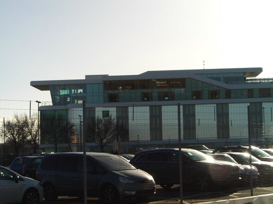 Holiday Inn Southend: View of hotel from airport