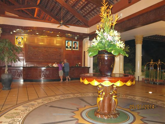Sokha Beach Resort : Hotel reception