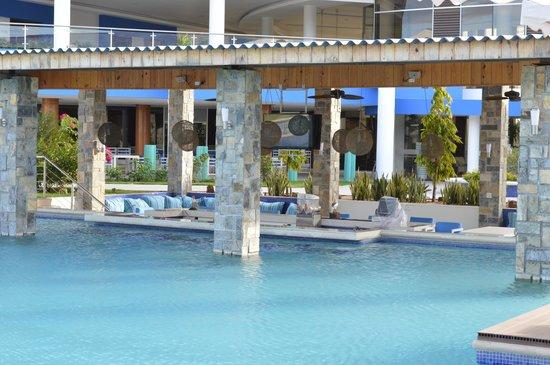 Foto de mykonos hotel convention center santiago de for Piscina hotel w santiago