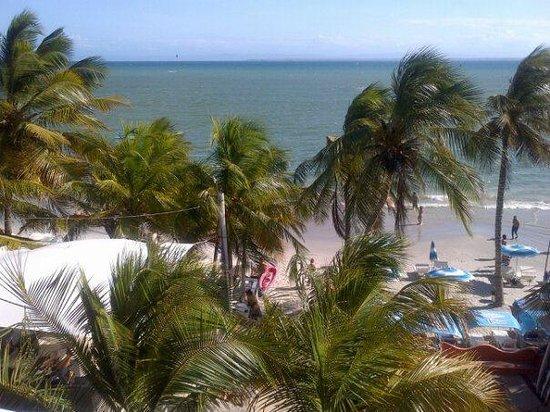 Hotel Surf Paradise : Vista da praia (varanda da suíte)