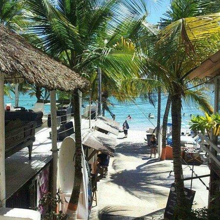 Hotel Surf Paradise: Acesso à praia
