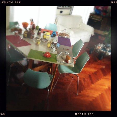 IL BOOM - il bed 'n breakfast: sala colazione con finestre sulle terrazze