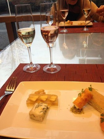 J Vineyards & Winery: Cheese & dessert course