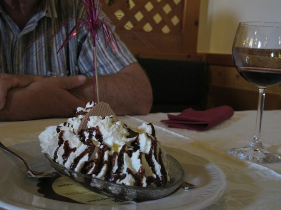 Hotel Kotnik: huge banana split