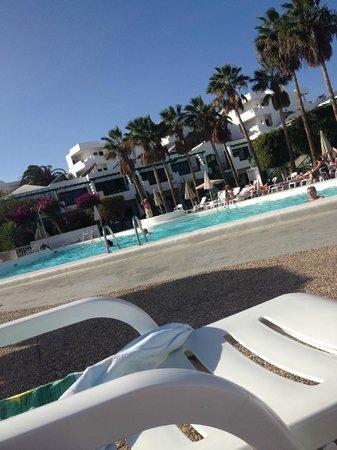 Lomo Blanco Apartments: Pool