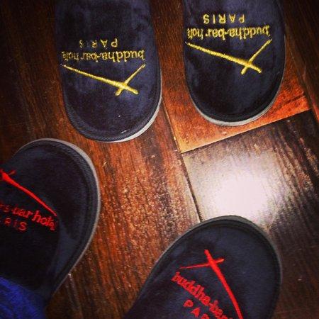 Buddha-Bar Hotel Paris : slippers